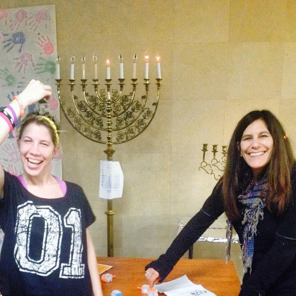 Auxiliary Celebrates Chanukah with the residents