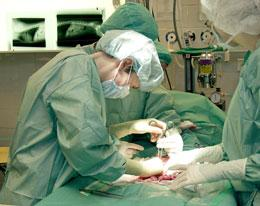 Image of Doctors operating