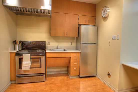 The center has a fully equipped home transition apartment that allows patients to replicate the activities they will be doing at home.  This includes a kitchen.